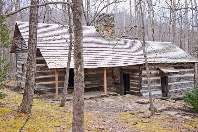 Smoky Mountain Hiking Club cabin © William Britten use with permission only