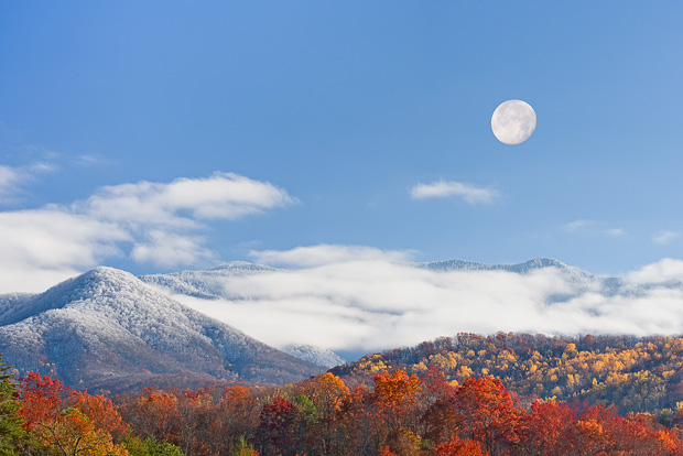 Moonrise over the Smoky MountainsSmoky Mountain Moonrise © William Britten use with permission only