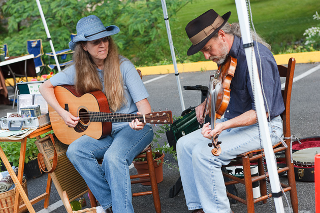 Music at the Farmers Market © William Britten use with permission only