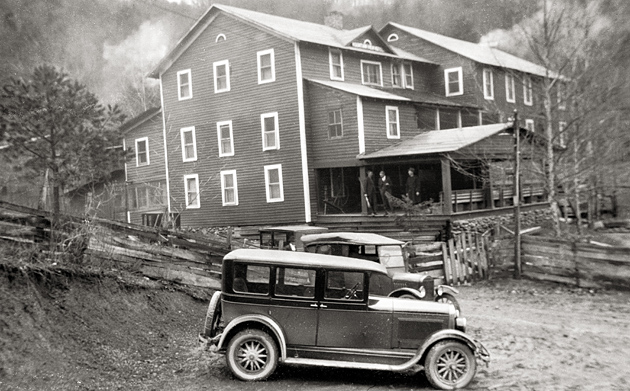 Mountain View Hotel in Gatlinburg 1926 © University of Tennessee Libraries