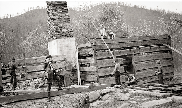 Smoky Mountains Hiking Club Cabin 1935 © University of Tennessee Libraries