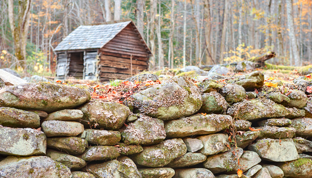 Ephraim Bales Corncrib © William Britten use with permission only