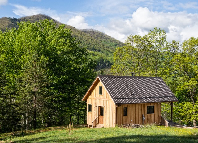 Rustic Cabin in the Blue Ridge Mountains of North Carolina